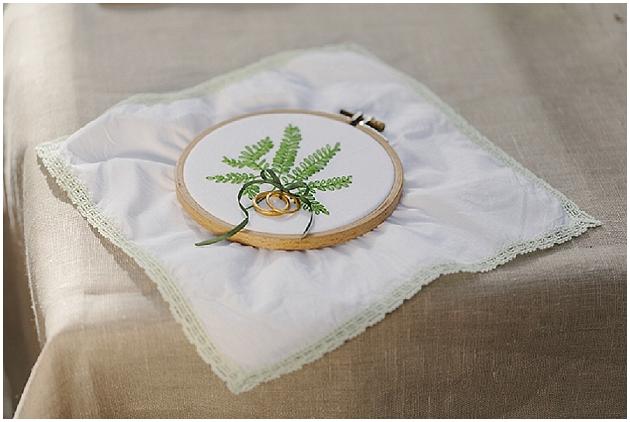 Ringkissen mit Pflanzen bzw. Blatt Motiv