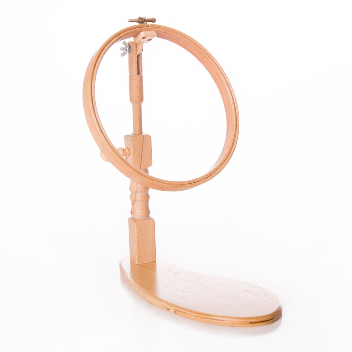 Sitz-Stickrahmen bzw. Stickring aus Holz mit justierbarem Ständer