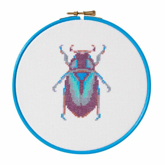 Stickmuster lila Käfer bzw. Insekt