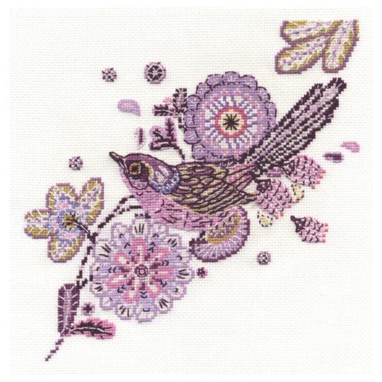 Stickvorlage Vogel und lila Blumen von DMC