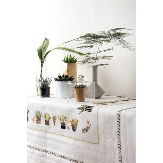 Tischdecke mit Sukkulenten und Kakteen zum Besticken