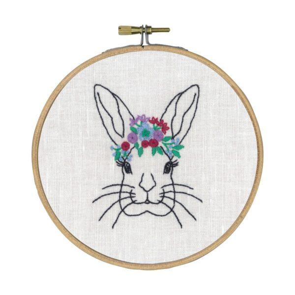 Stickvorlage Hase und Blumen