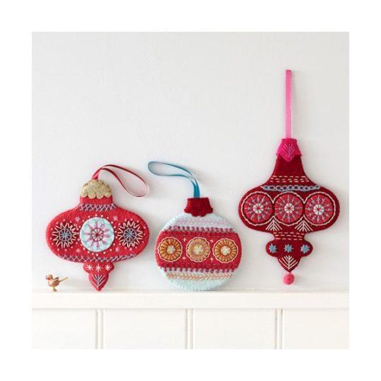 Filzanhänger für den Weihnachtsbaum sticken l via Zur Lila Pampelmuse