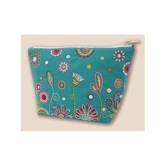 Kosmetik-Tasche mit Blumen sticken l über Zur Lila Pempelmuse
