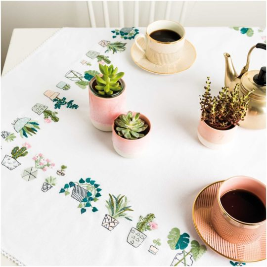 Tischdecke bzw. Mitteldecke mit Kakteen & Sukkulenten sticken von Rico Design