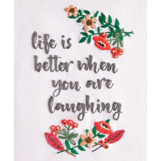 Blumenzweige mit englischem Spruch sticken | Lachen