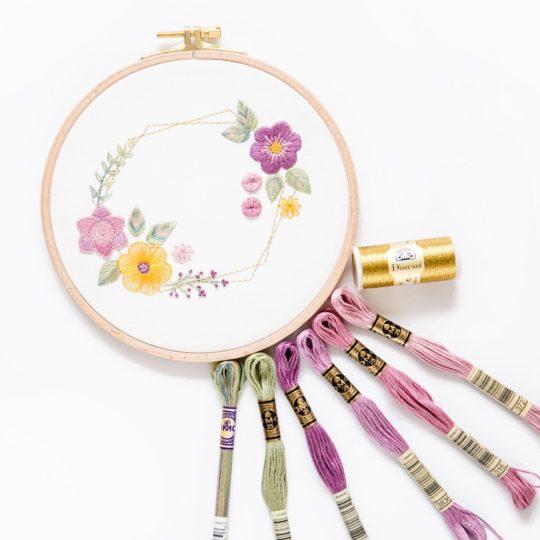 Blumenkranz-sticken | Zur Lila Pampelmuse