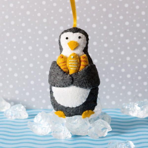 Filztiere Bastelset Weihnachten mit Pinguin | über Zur Lila Pampelmuse