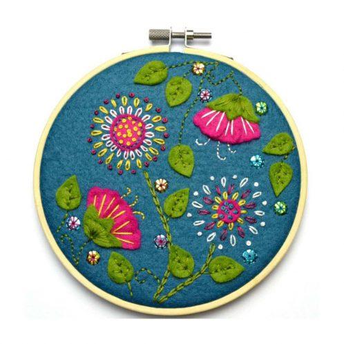 Exotische Blumen: Filz besticken | über Zur Lila Pampelmuse