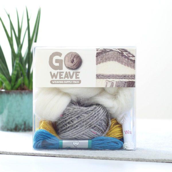 Wolle zum Weben mit Webrahmen inBlaugrün, Senf & Grau | über Zur Lila Pampelmuse