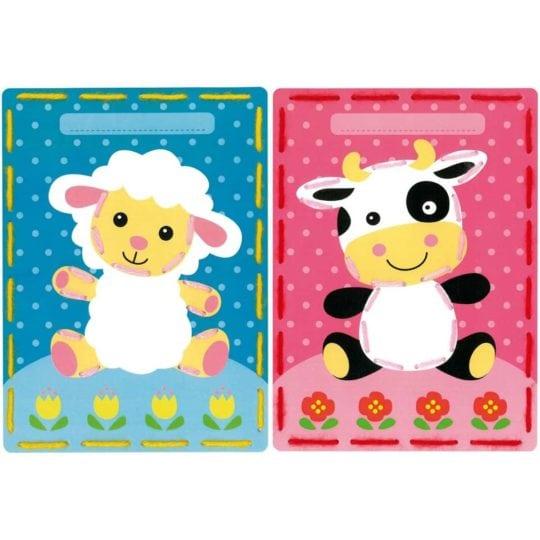 Sticken mit Kindern: Vorgestanzte Karten mit Lamm und Kuh | über Zur Lila Pampelmuse