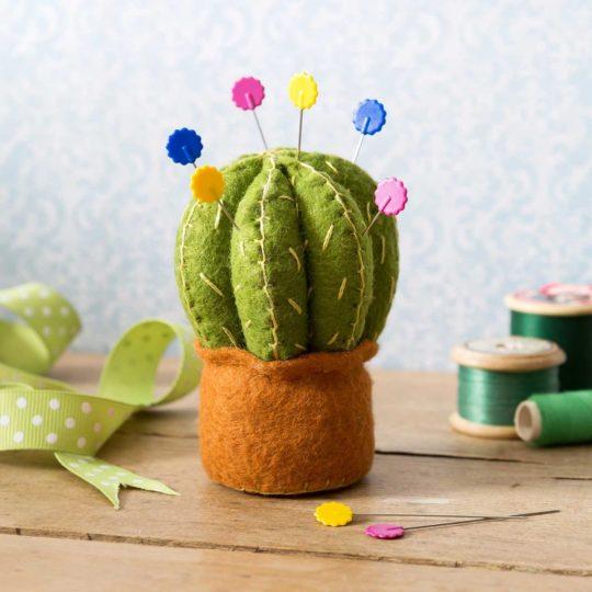 Filz-Bastel-Set: Kaktus als Nadelkissen | über Zur Lila Pampelmuse