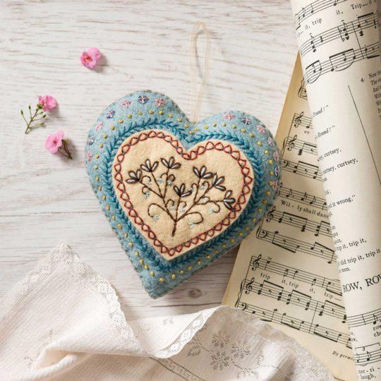 Filz-Bastel-Set: Herz besticken | über Zur Lila Pampelmuse
