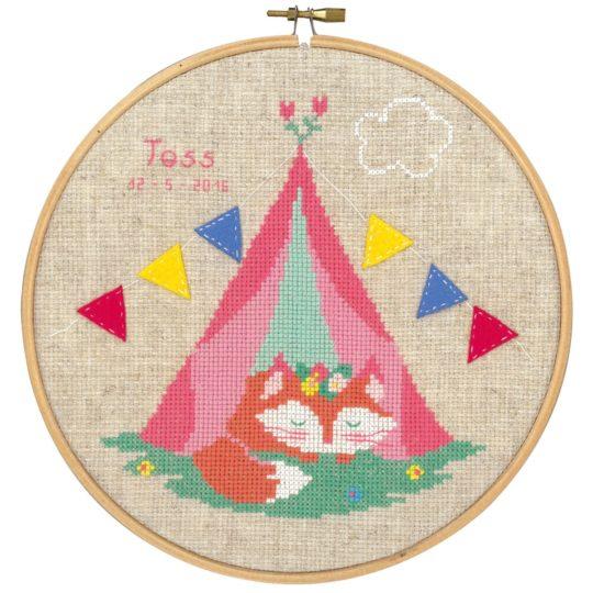 Kreuzstich Baby: Fuchs im Zelt sticken, mit Alphabet | über Zur Lila Pampelmuse