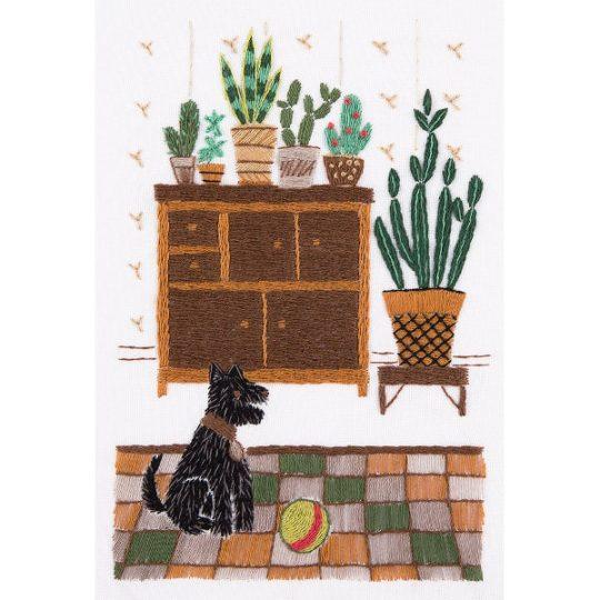 Pflanzen auf Kommode sticken samt Hund davor! Stickmuster über Zur Lila Pampelmuse