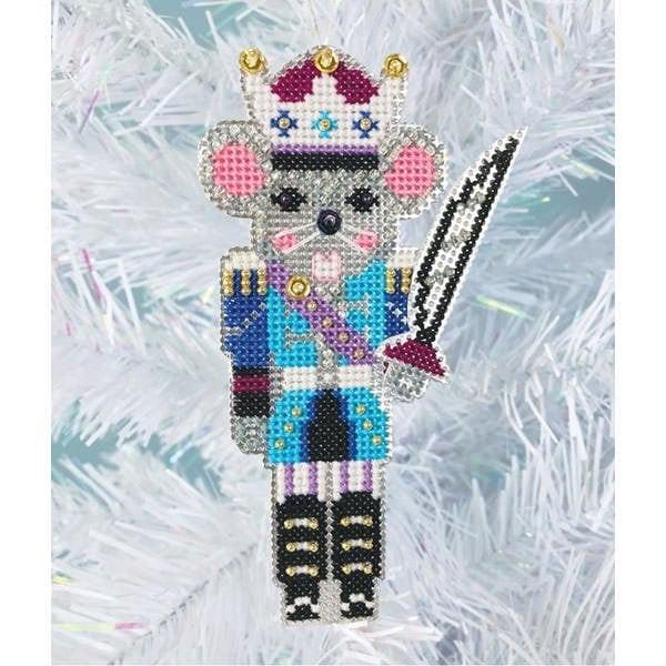 Stickpackung für einen Weihnachtsbaumanhänger mit Mäusekönig Figur im Kreuzstich | über Zur Lila Pampelmuse