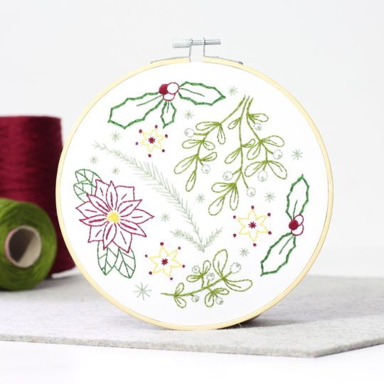 Weihnachtsstern, Mistelzweig, Tanne und Ilex sticken | Stickset über Zur Lila Pampelmuse