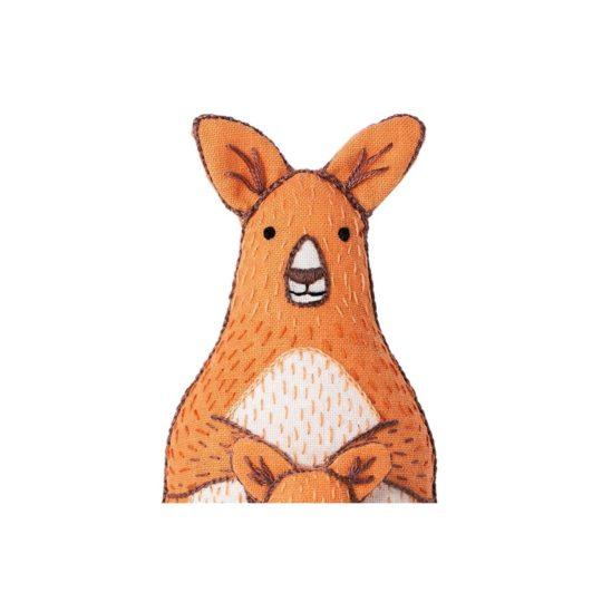 Niedliche Känguru Tier Puppe sticken! Für Handstickerei - über Zur Lila Pampelmuse
