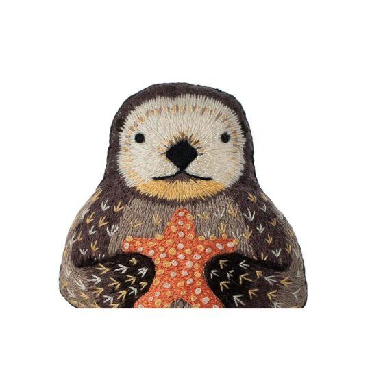 Süße Tier Puppe: Otter sticken! Für Handstickerei - über Zur Lila Pampelmuse