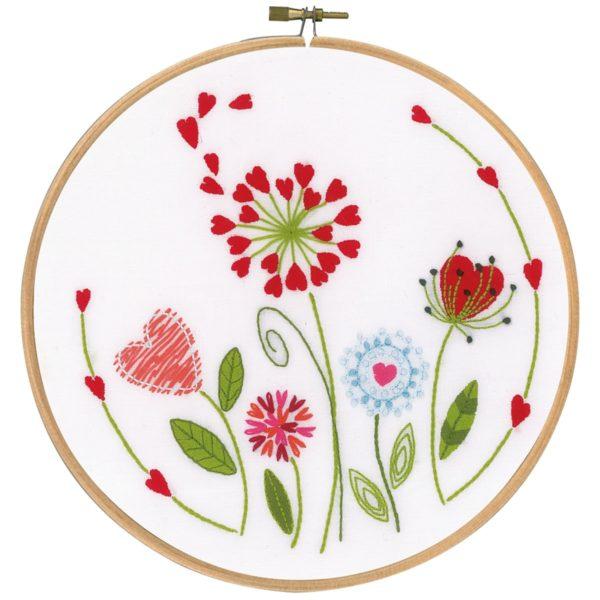 Moderne Herzblumen in rot und grün sticken | Stickpackung über Zur Lila Pampelmuse