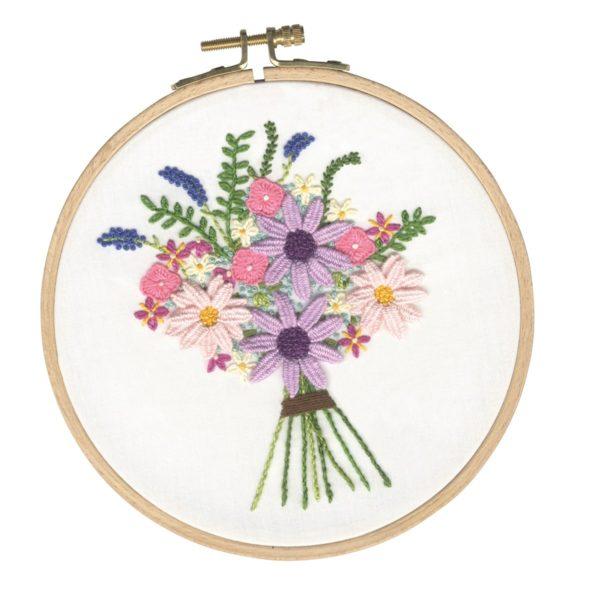 Sommerlichen Blumenstrauß sticken | Stickset über Zur Lila Pampelmuse
